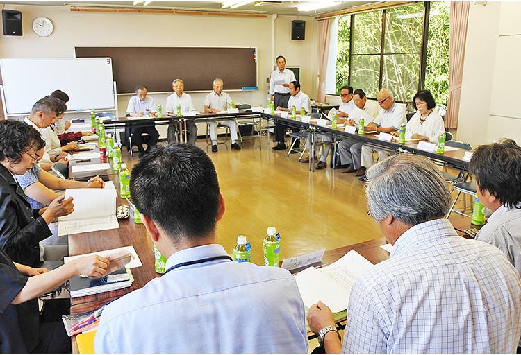 定例会議の様子の写真